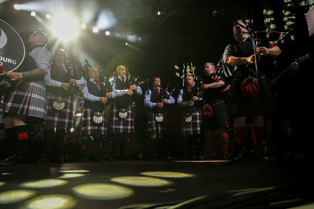 red-hot-chilli-pipers-013.jpg